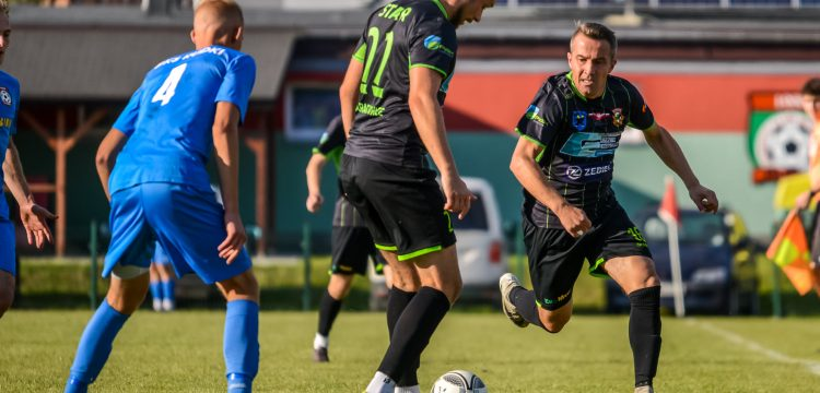 Fragment meczu GKS Rudki Star Starachowice , Michał Grunt, Marcin Kaczmarek